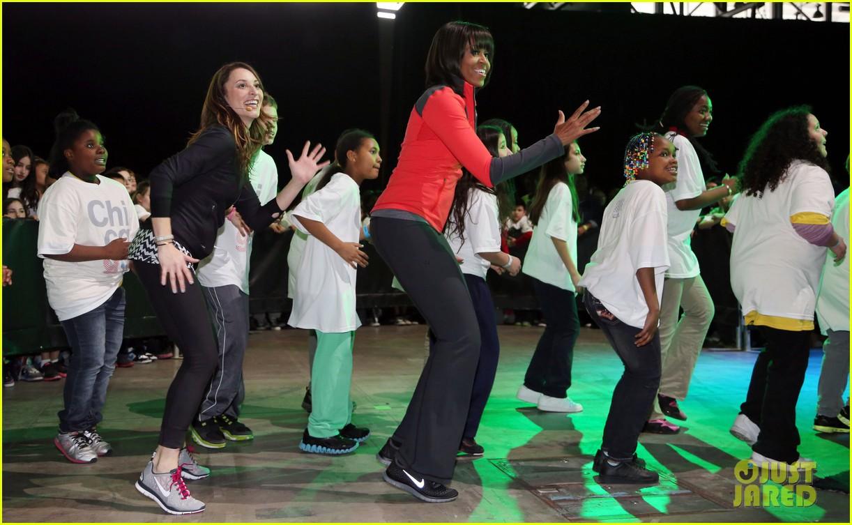 michelle obama school exercise program with jordin sparks 072822590