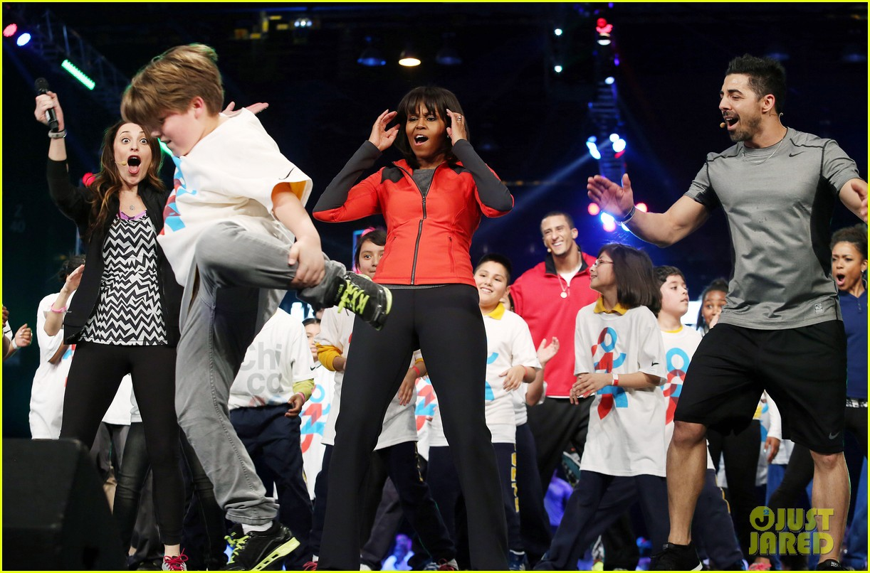 michelle obama school exercise program with jordin sparks 09