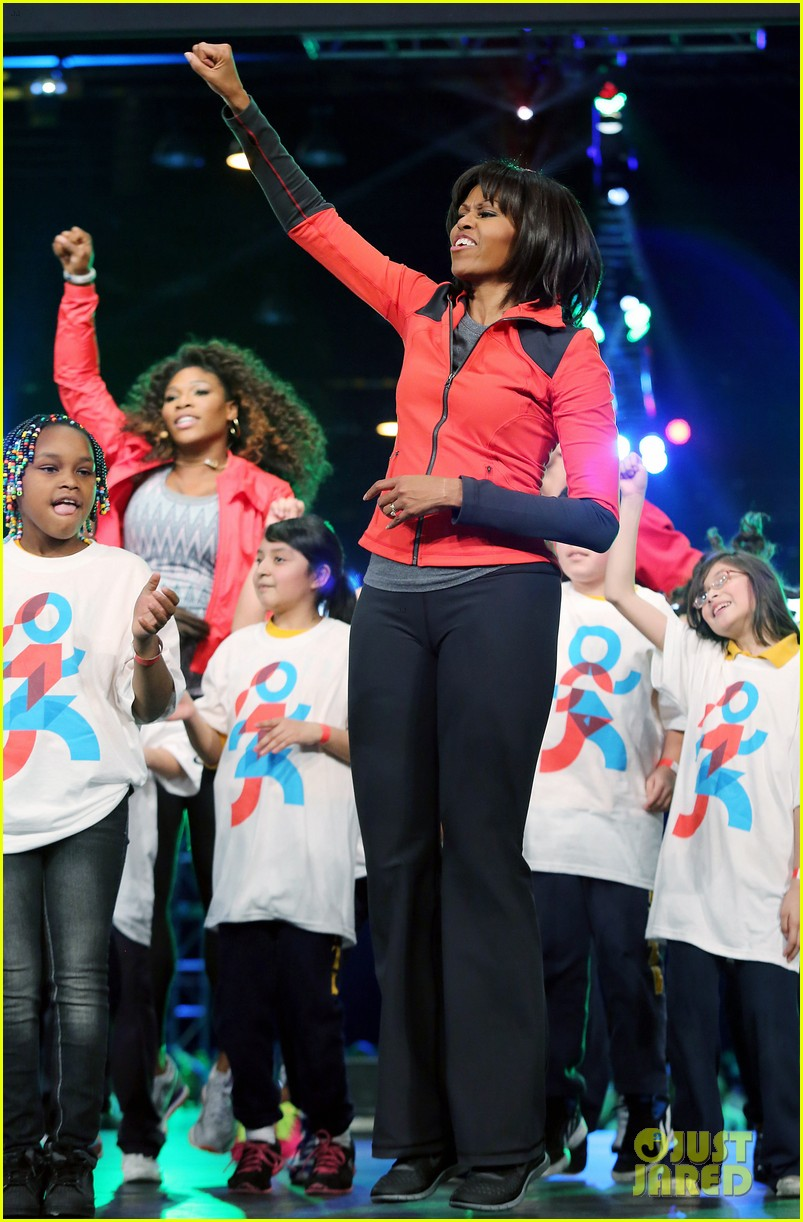 michelle obama school exercise program with jordin sparks 132822596