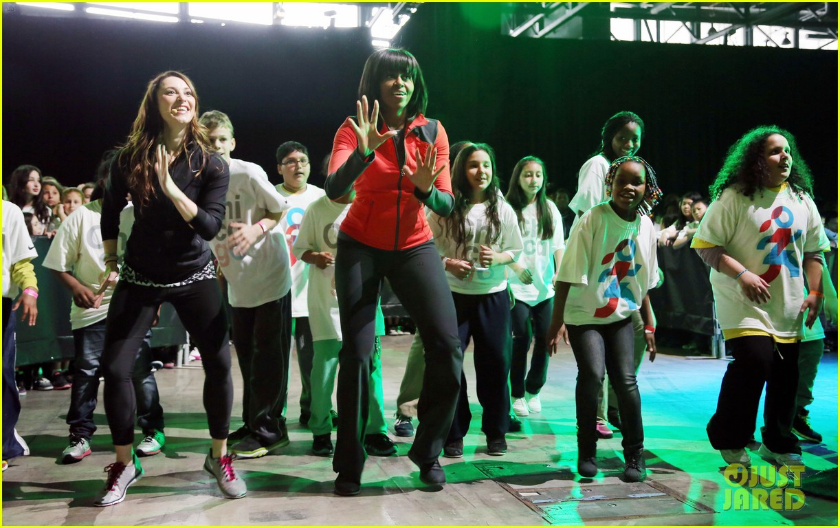 michelle obama school exercise program with jordin sparks 142822597