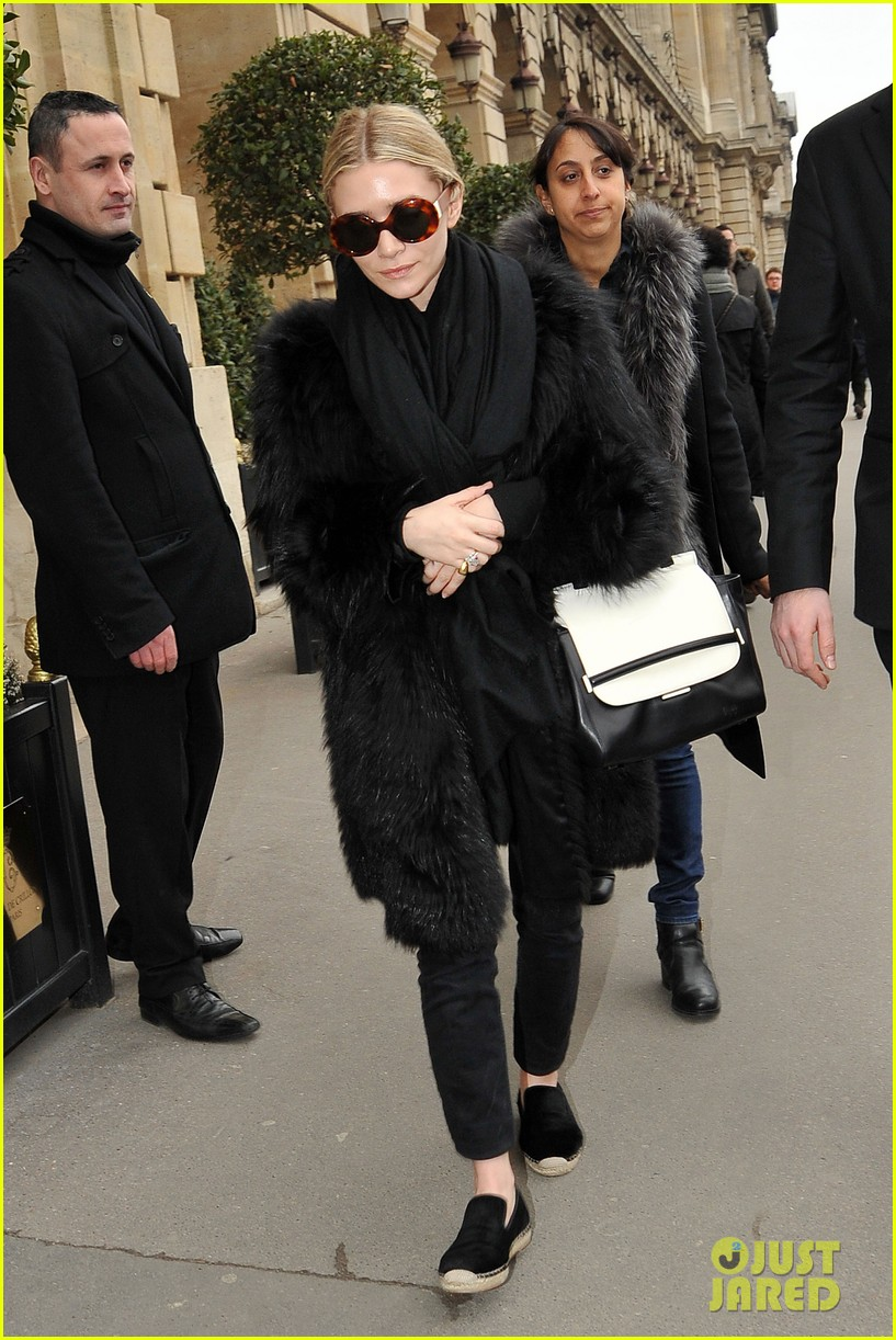 ashley olsen hm paris fashion show 132822339