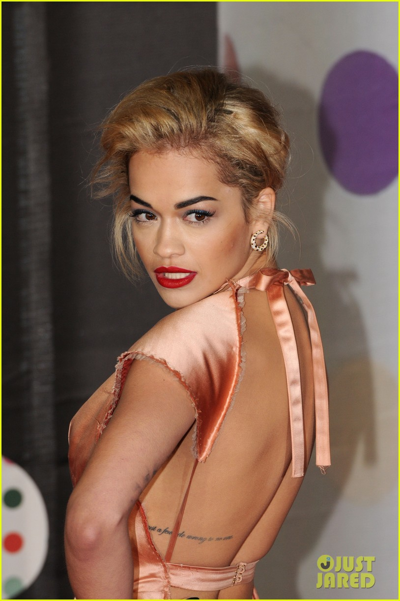 rita ora brit awards 2013 red carpet 04