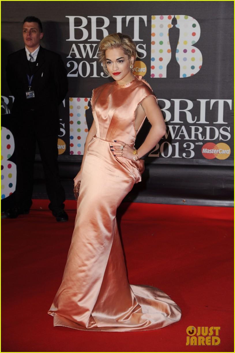 rita ora brit awards 2013 red carpet 08