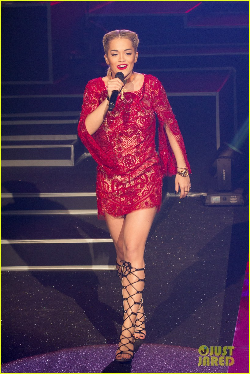 rita ora lily allen etam live lingerie fashion show 182821649