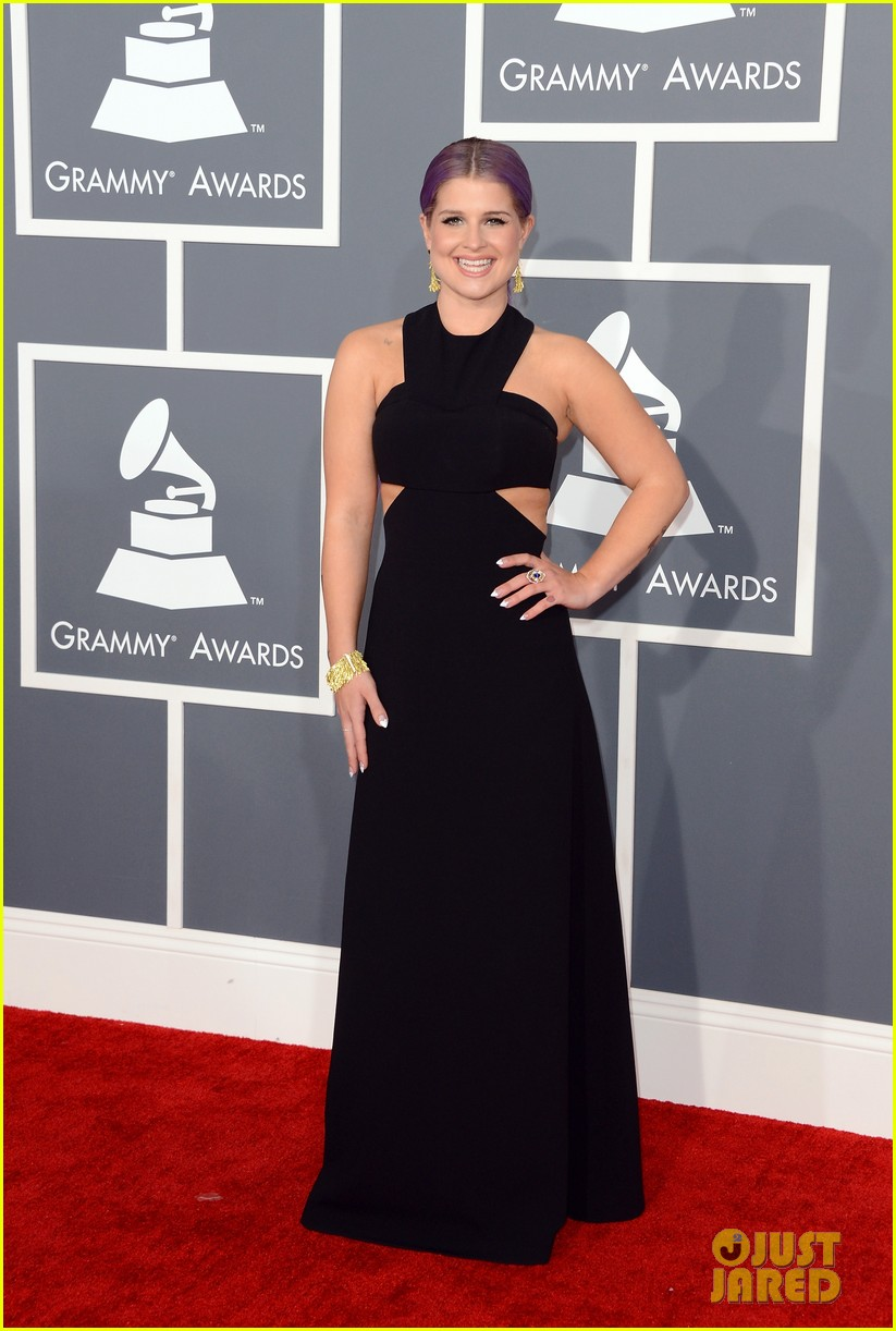 kelly osbourne grammys 2013 red carpet 012809097