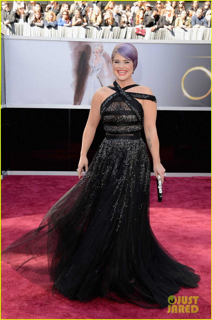 kelly osbourne guiliana rancic oscars 2013 red carpet 012818884