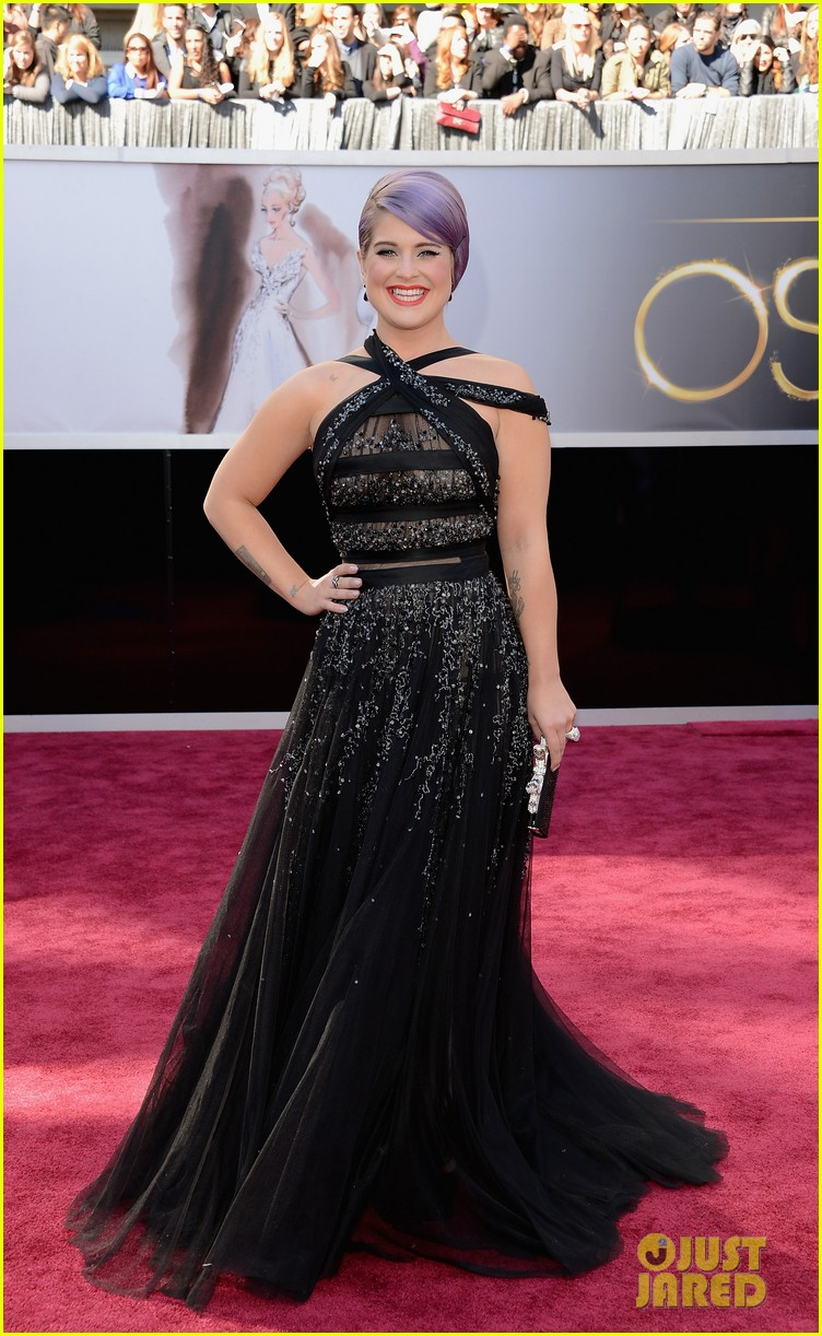 kelly osbourne guiliana rancic oscars 2013 red carpet 05