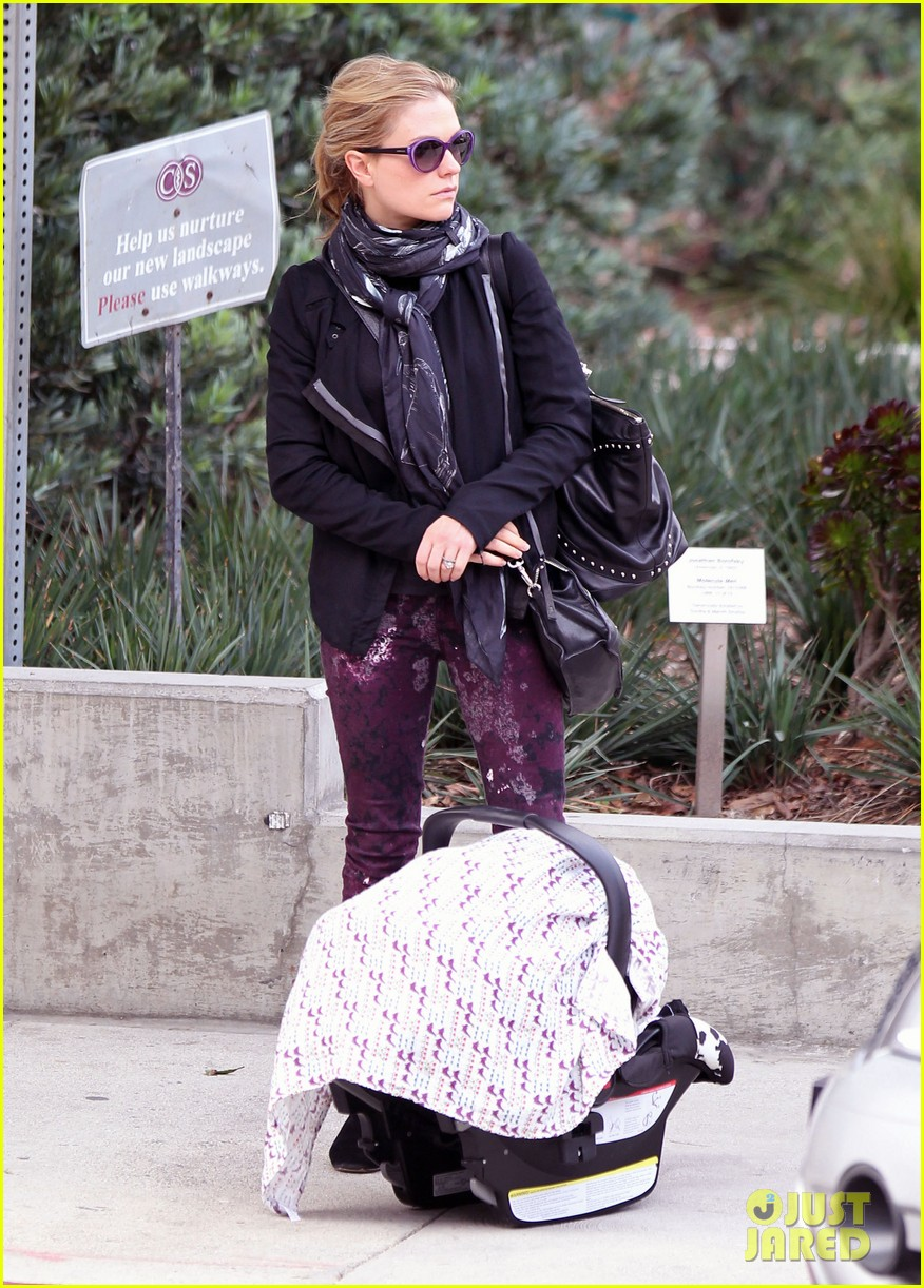 anna paquin stephen moyer baby check up 062807326