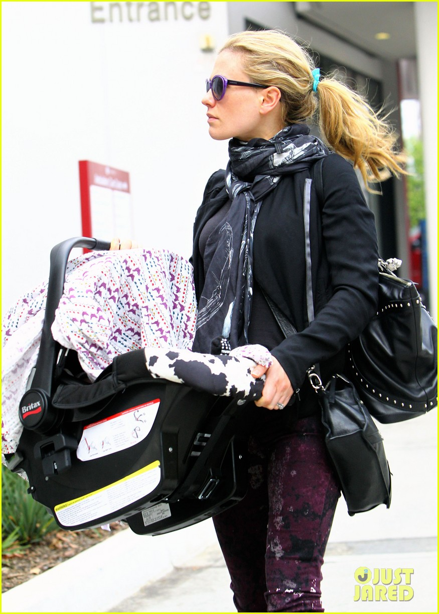 anna paquin stephen moyer baby check up 182807338