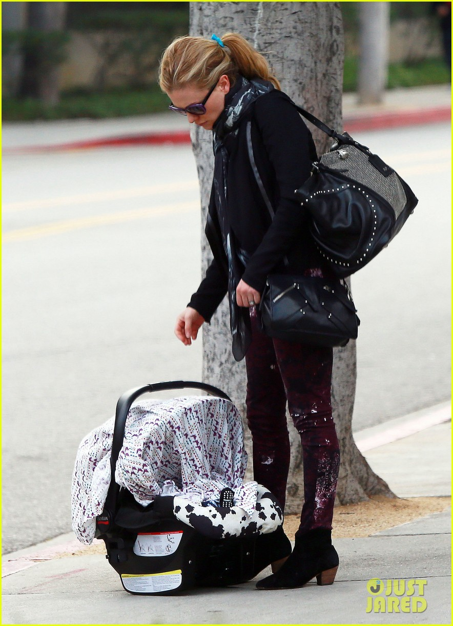 anna paquin stephen moyer baby check up 192807339