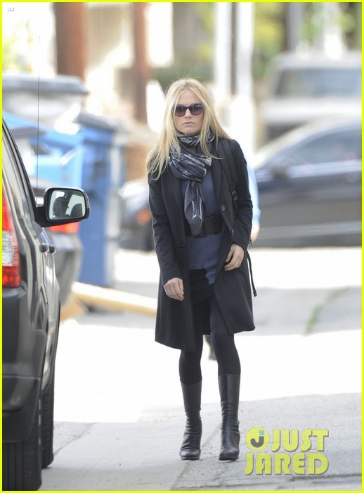 anna paquin friday coffee stop 082808691