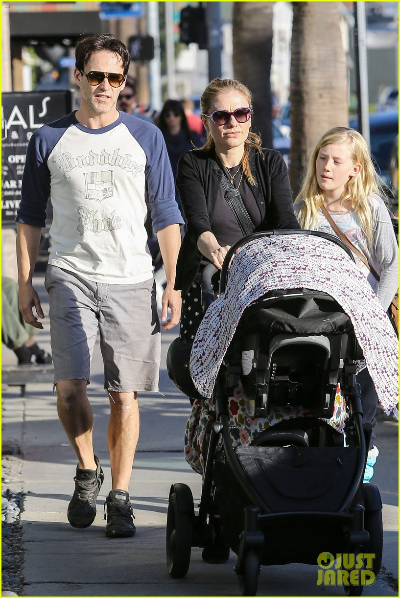 anna paquin shopping with one of her twins 032805991