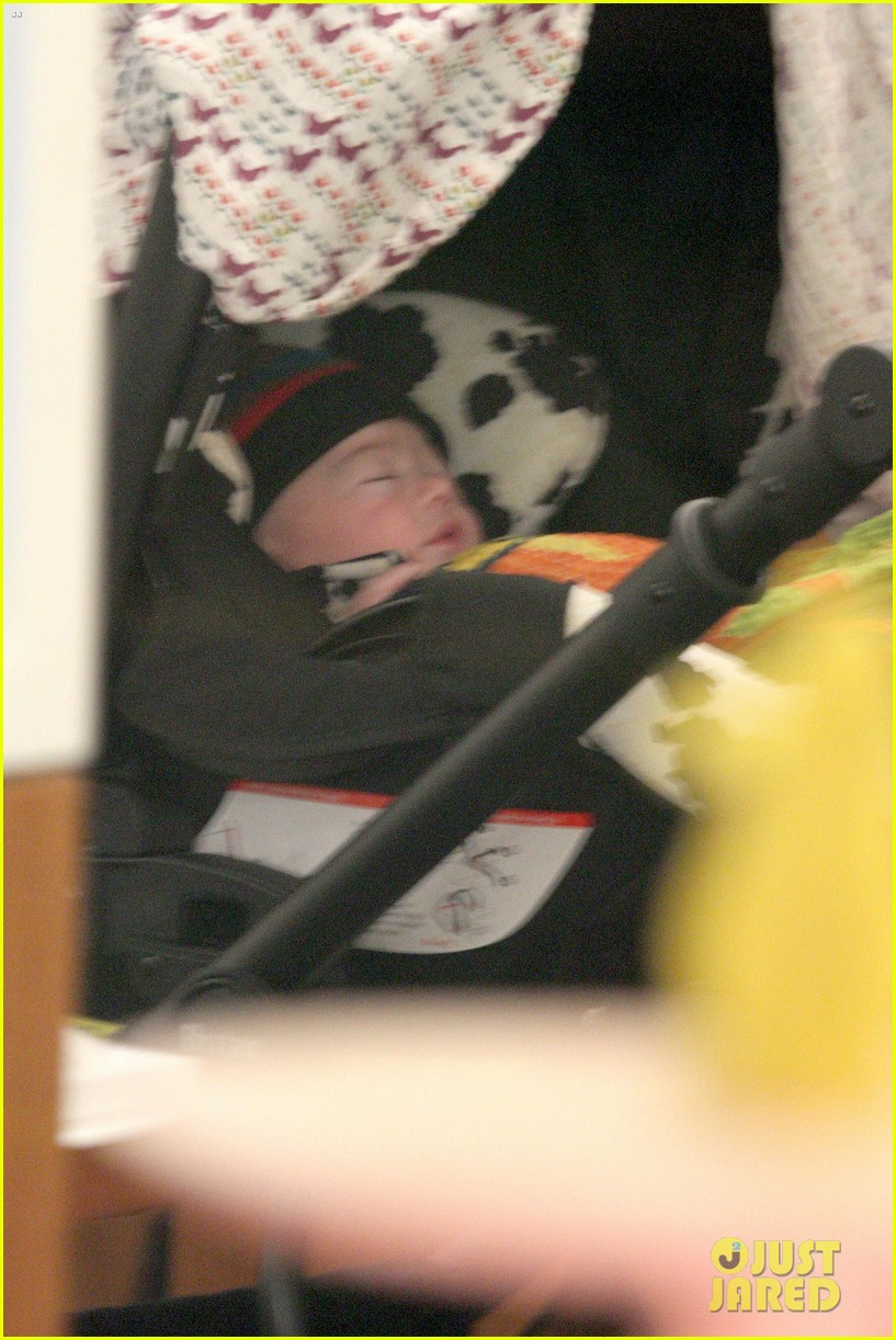 anna paquin shopping with one of her twins 042805992