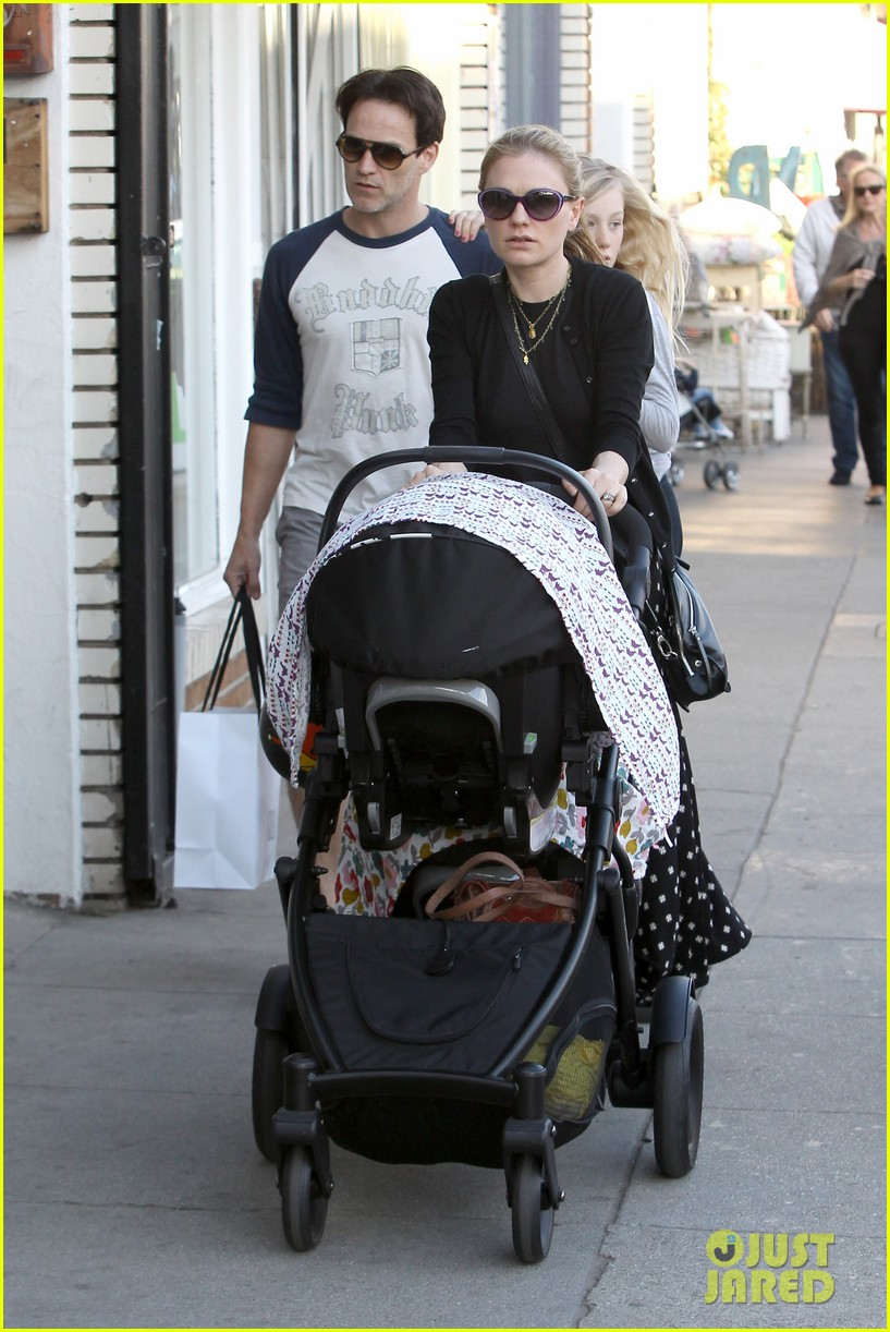 anna paquin shopping with one of her twins 062805994