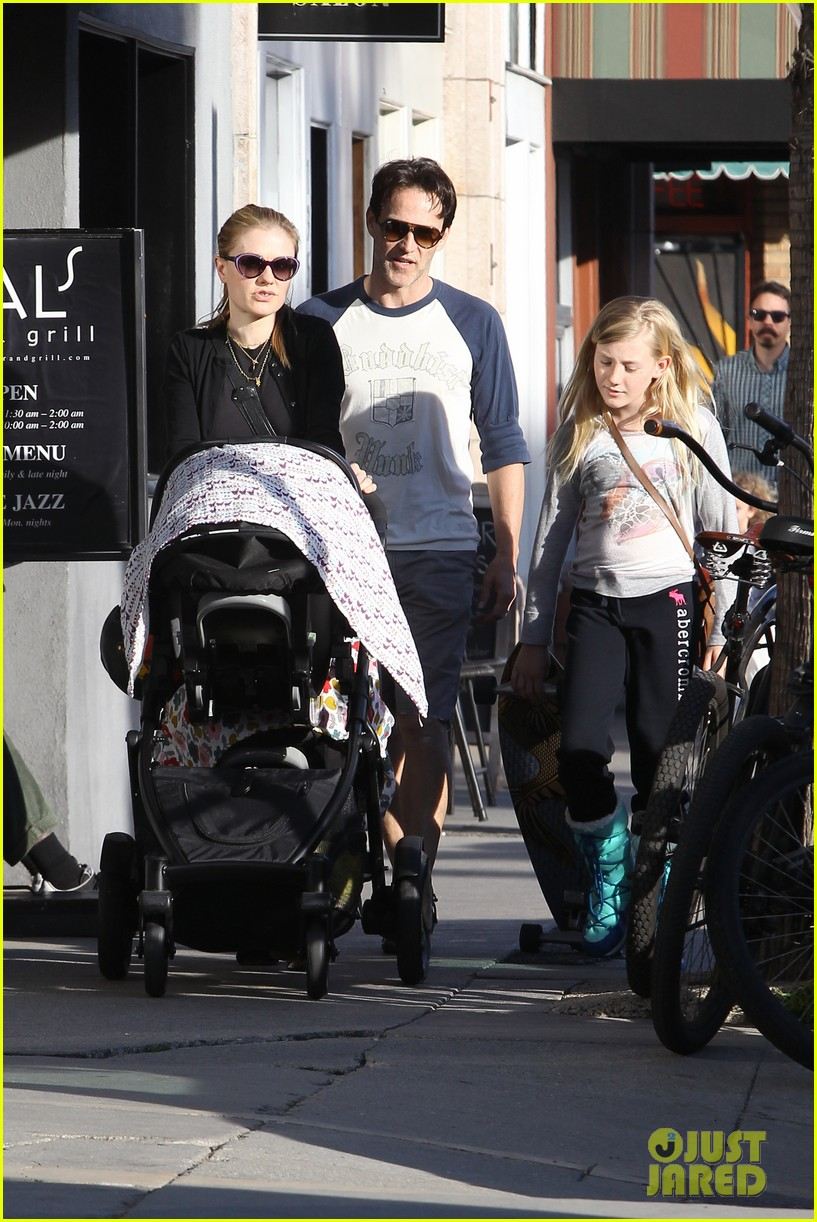 anna paquin shopping with one of her twins 152806003