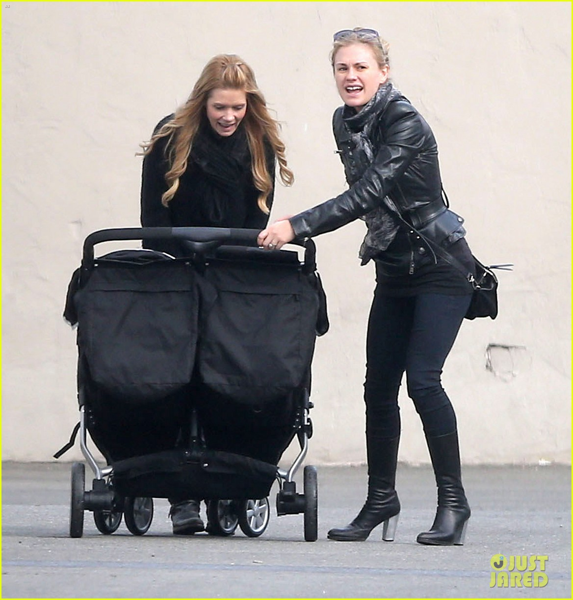 anna paquin shopping with one of her twins 222806010