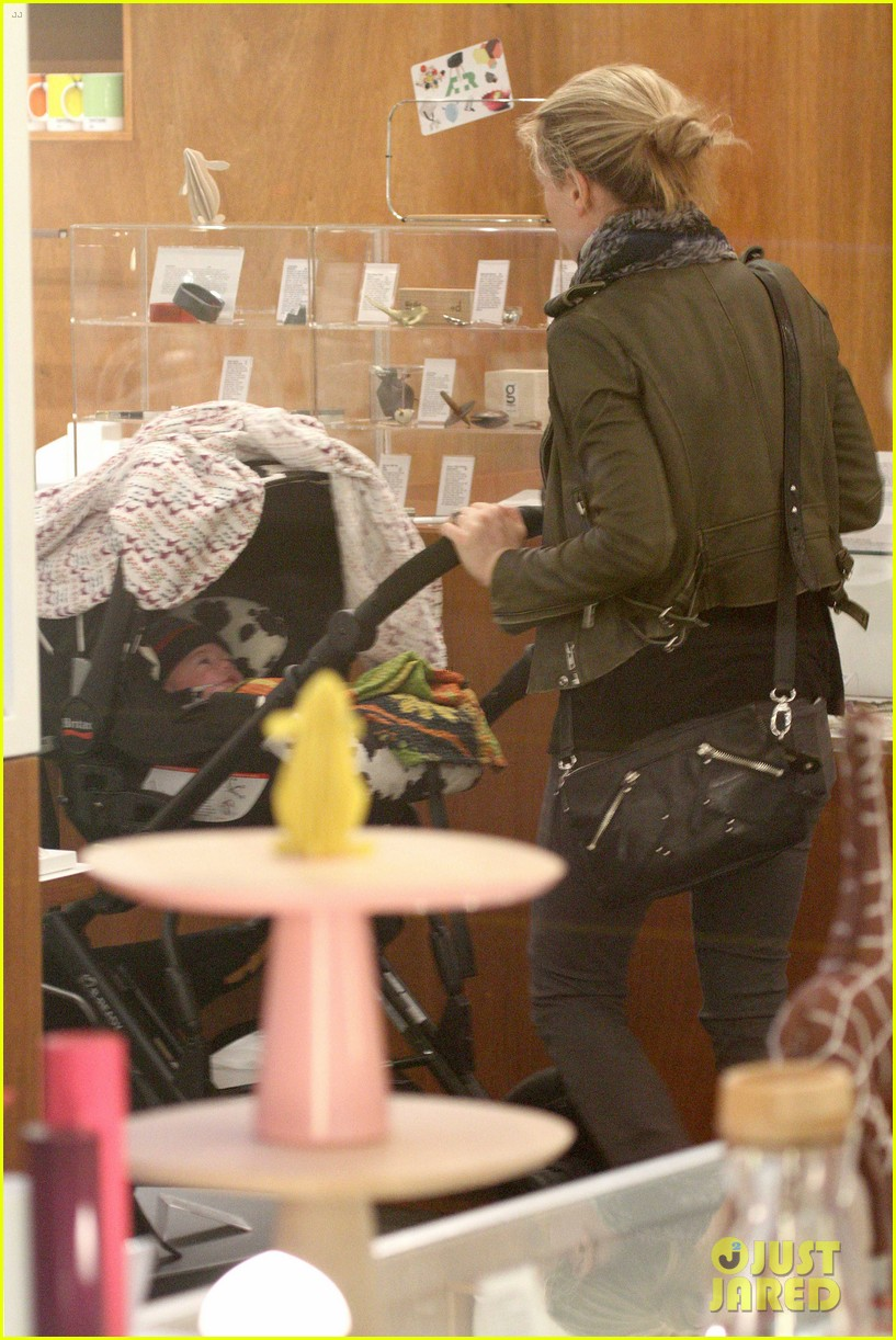anna paquin shopping with one of her twins 232806011