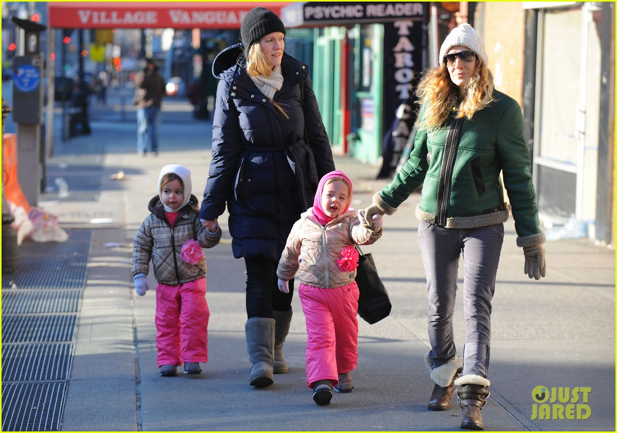 sarah jessica parker bundled up in the big apple 212805133