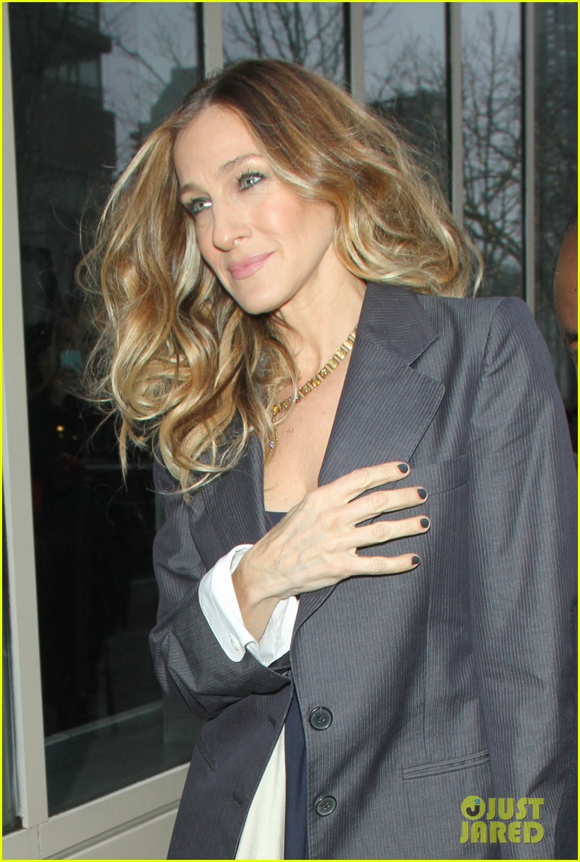 sarah jessica parker bundled up in the big apple 352805147