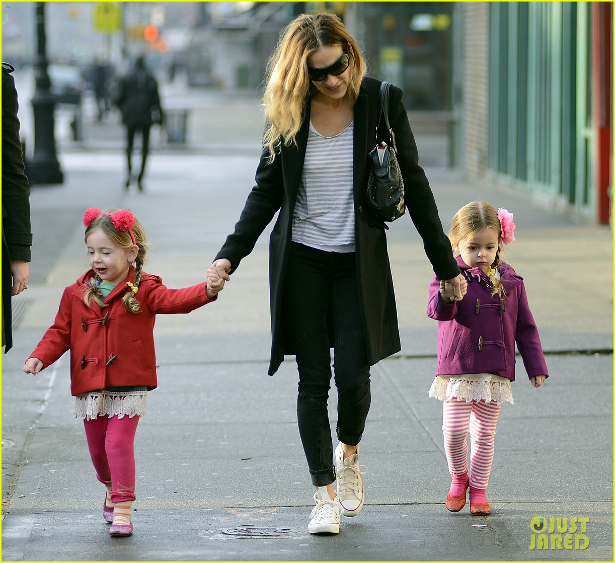 sarah jessica parker morning walk with the twins 032802206