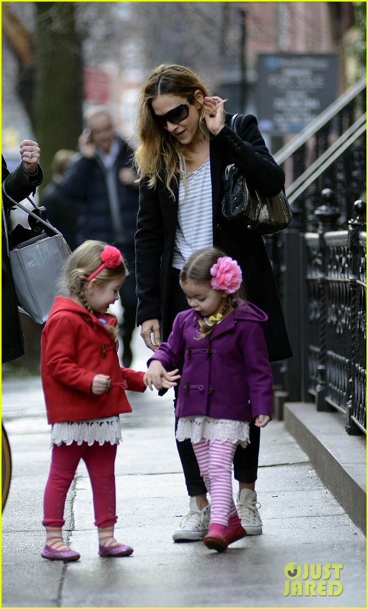 sarah jessica parker morning walk with the twins 092802212