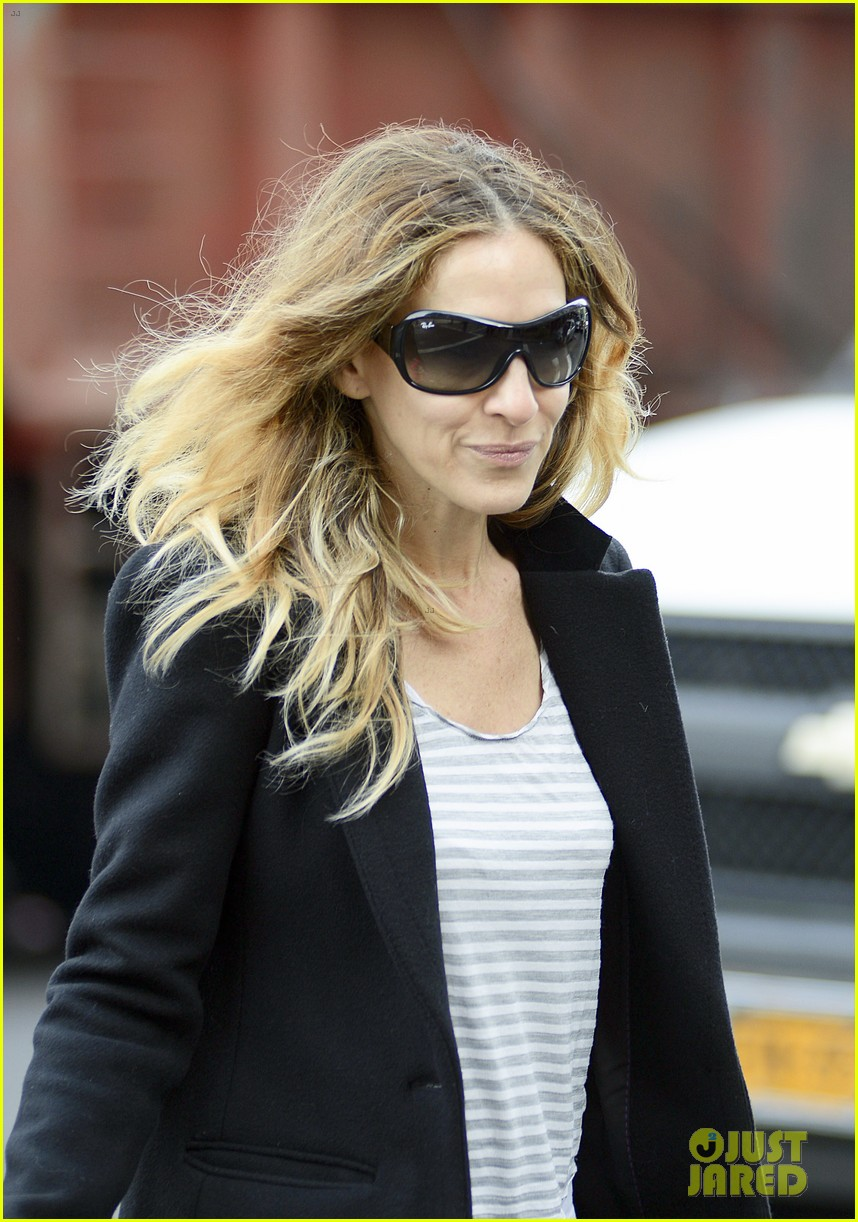 sarah jessica parker morning walk with the twins 182802221