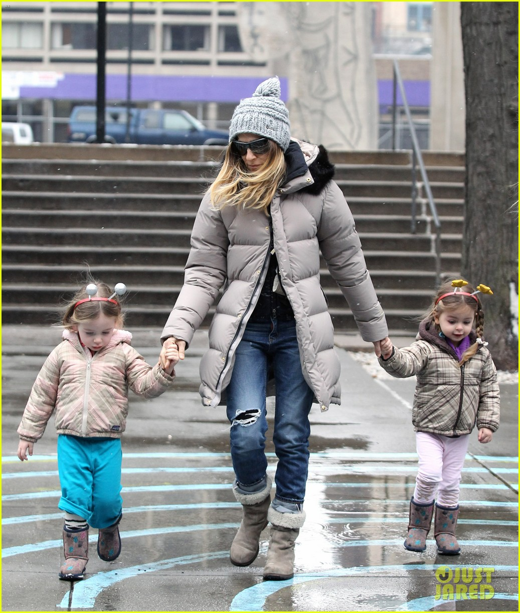 sarah jessica parker morning walk with the twins 282802231