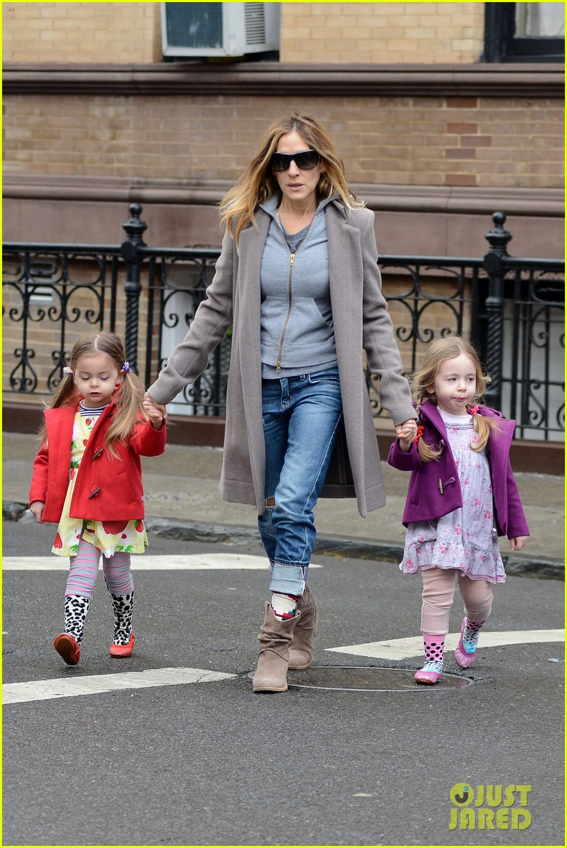 sarah jessica parker morning walk with the twins 362802239