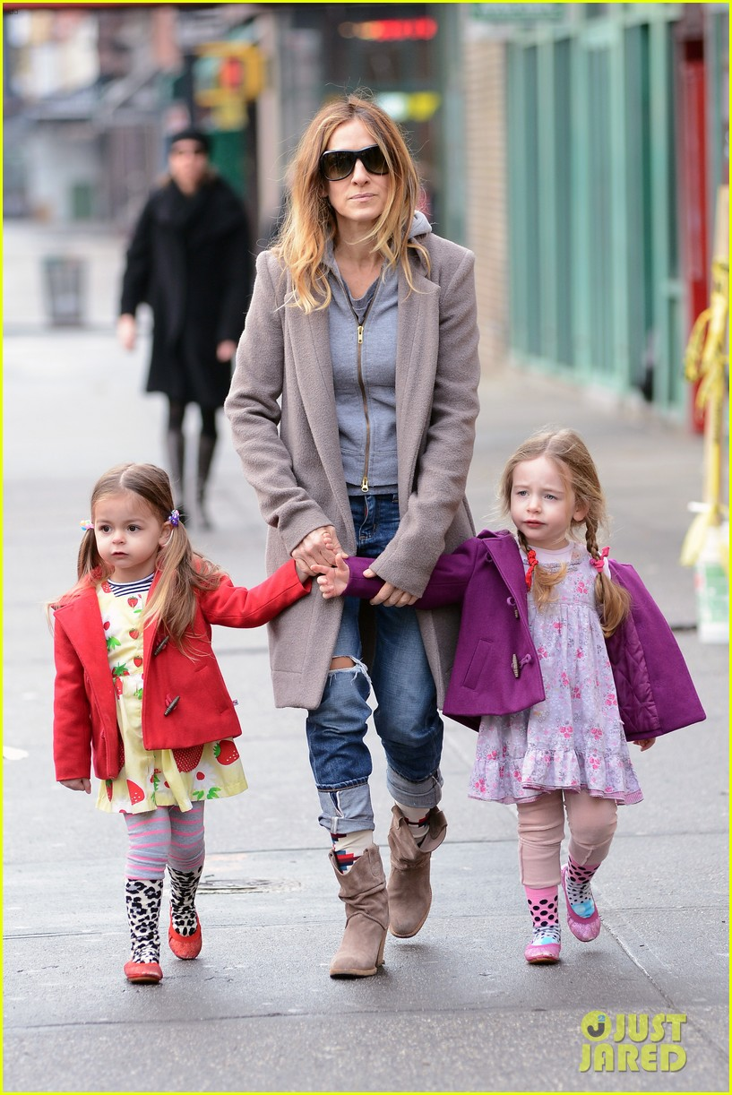 sarah jessica parker morning walk with the twins 392802242