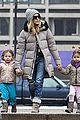sarah jessica parker morning walk with the twins 27