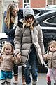 sarah jessica parker morning walk with the twins 30