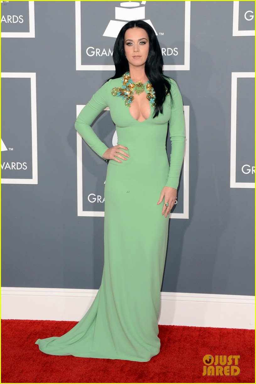 katy perry grammys 2013 red carpet 012809338