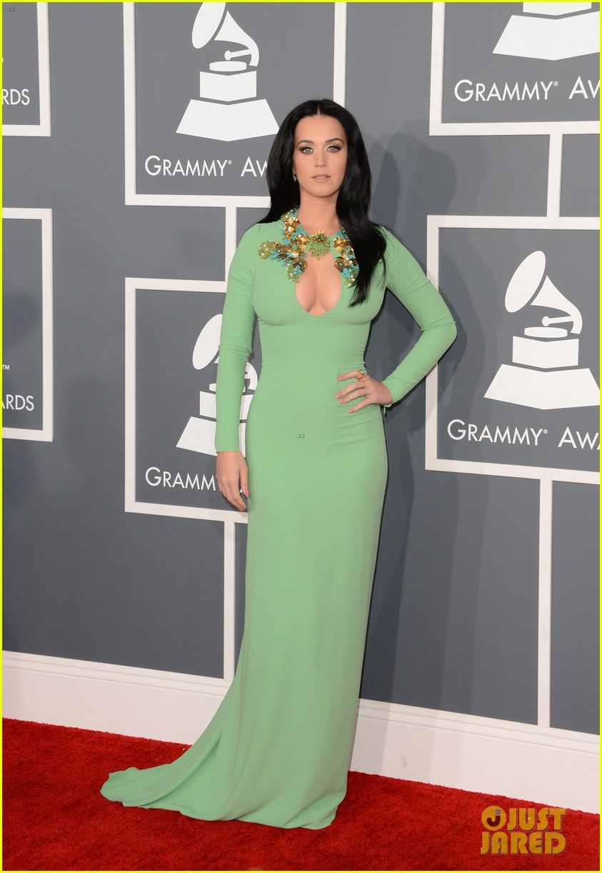 katy perry grammys 2013 red carpet 062809343