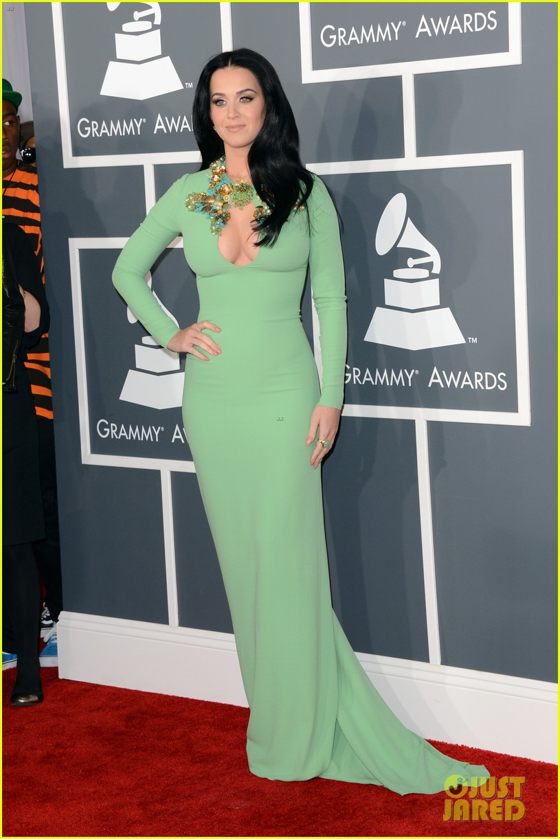 katy perry grammys 2013 red carpet 082809345