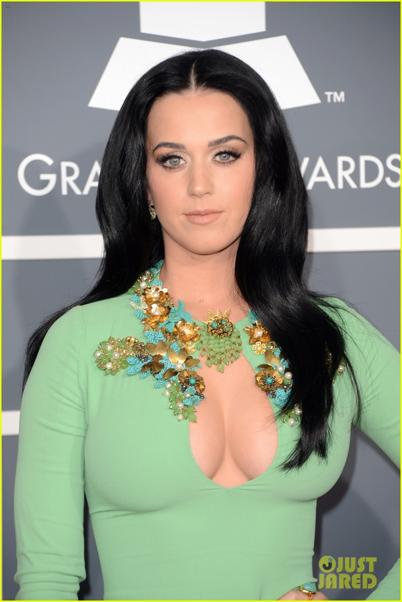 katy perry grammys 2013 red carpet 092809346