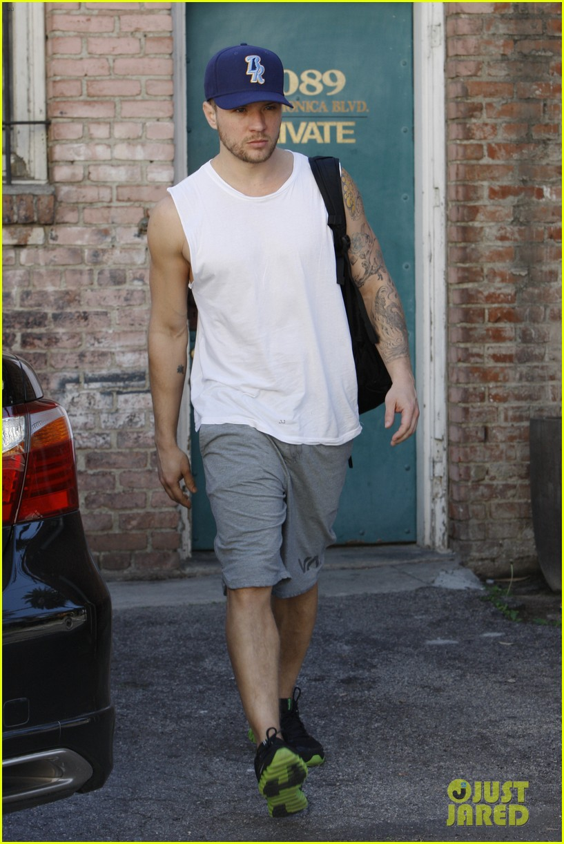 ryan phillippe rivabella opening wednesday workout 01