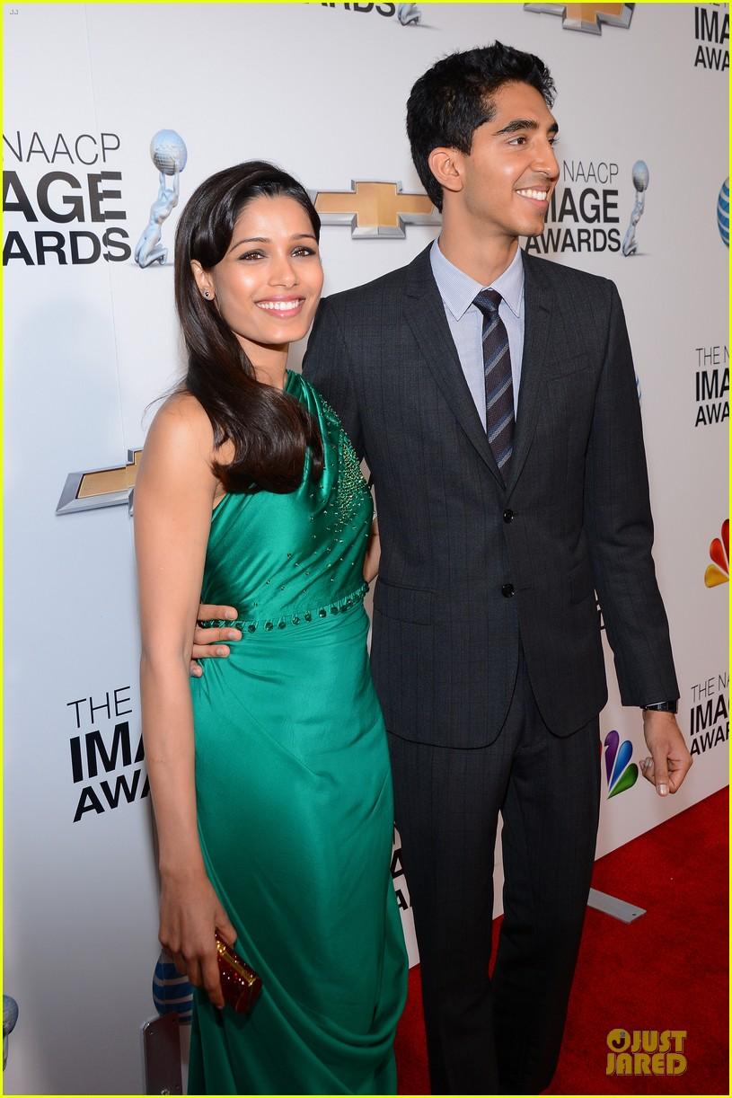 freida pinto dev patel naacp image awards red carpet 2013 02
