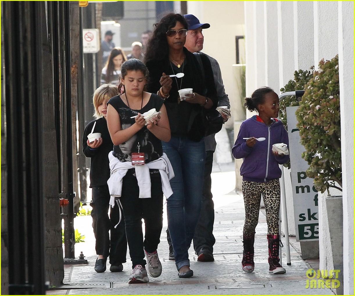 Zahara Jolie-Pitt 2013 1222 x 1021 · 340 kB · jpeg