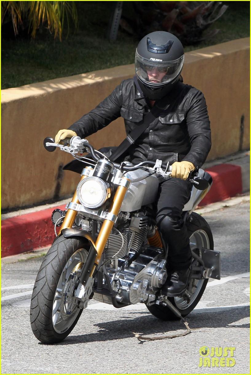 brad pitt rides his motorcycle shiloh zahara get froyo 142816580