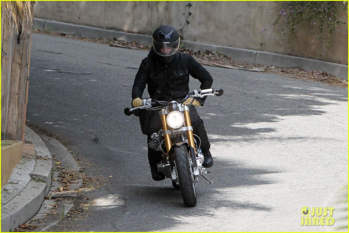 brad pitt rides his motorcycle shiloh zahara get froyo 162816582