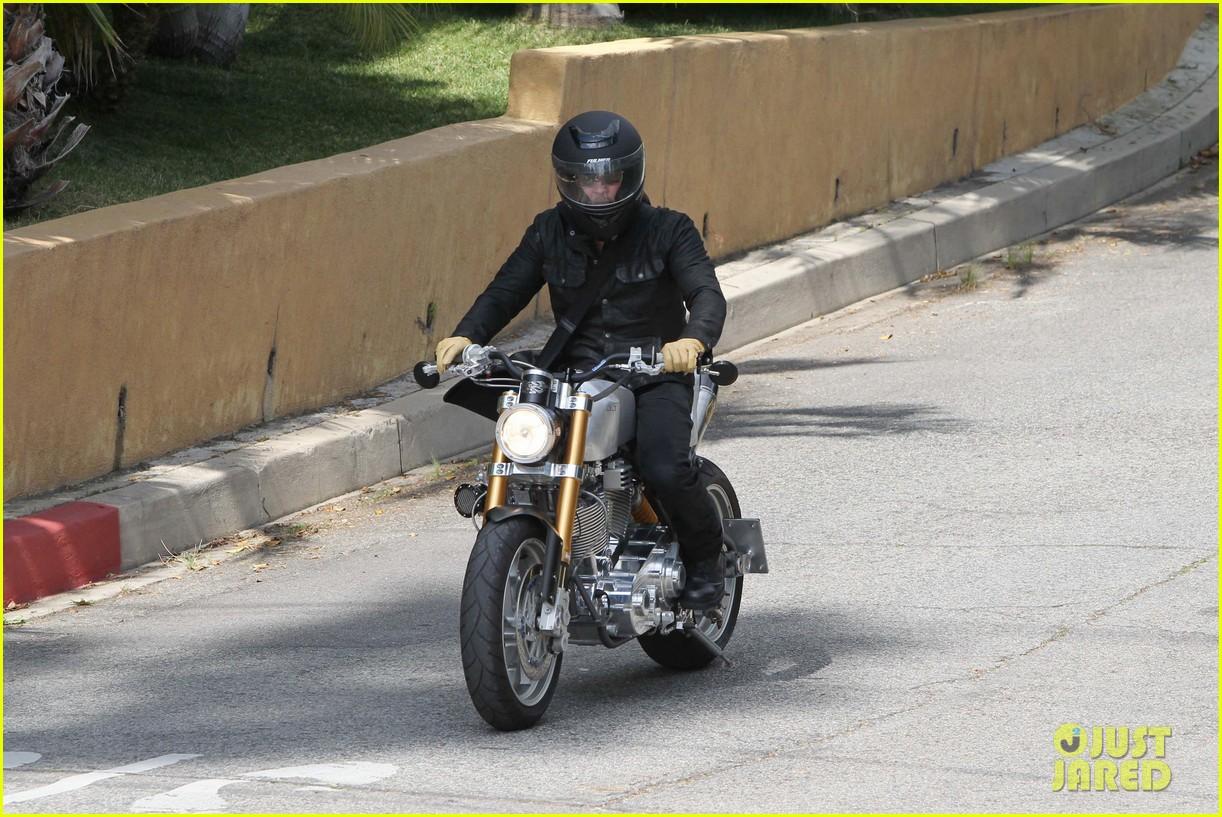 brad pitt rides his motorcycle shiloh zahara get froyo 192816585