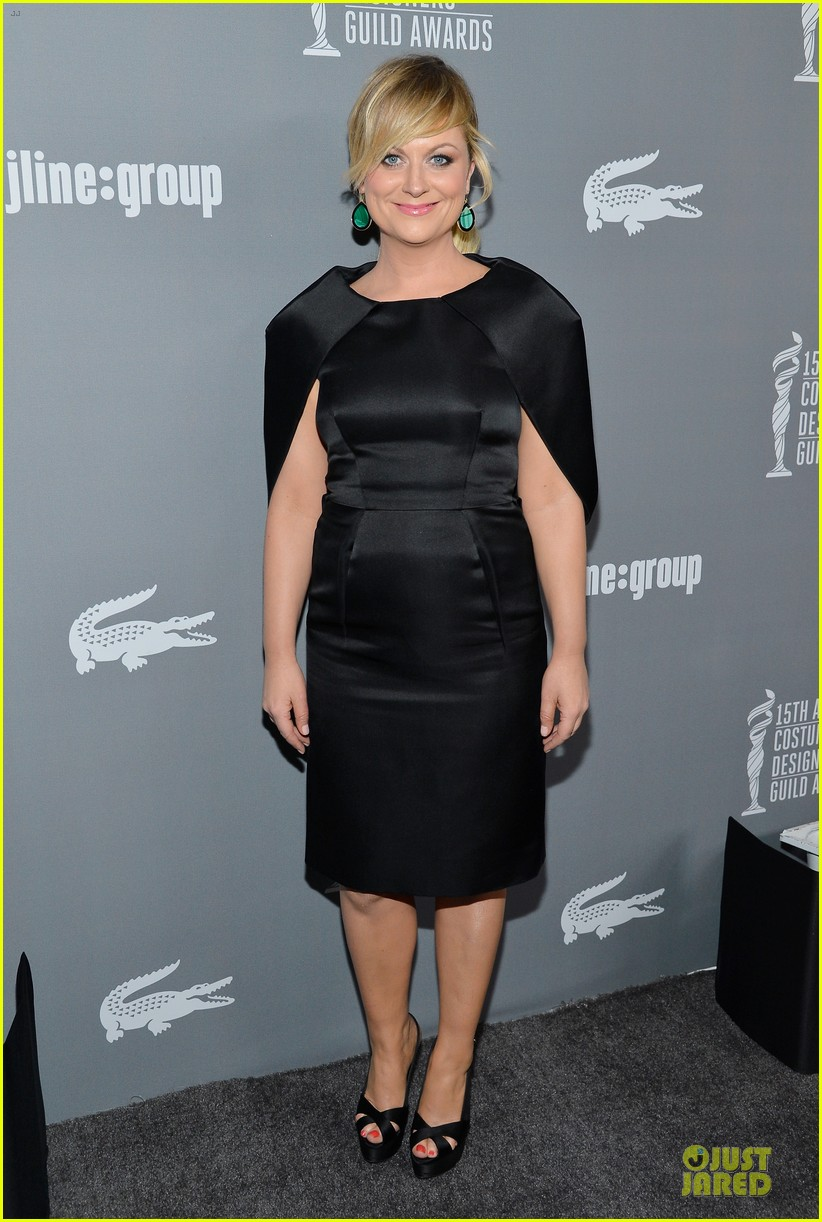 amy poehler kristen wiig cdg awards 2013 red carpet 01