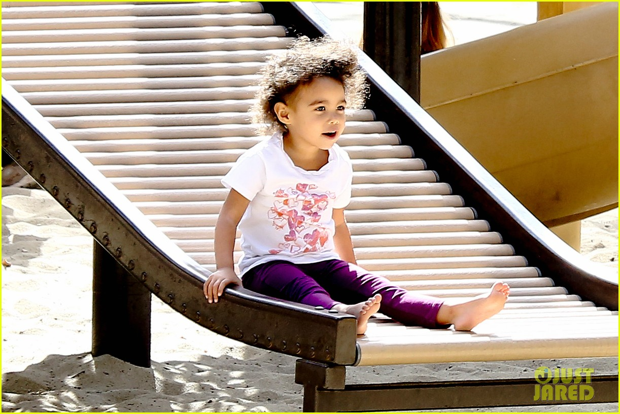 ellen pompeo sliding with stella 042813744