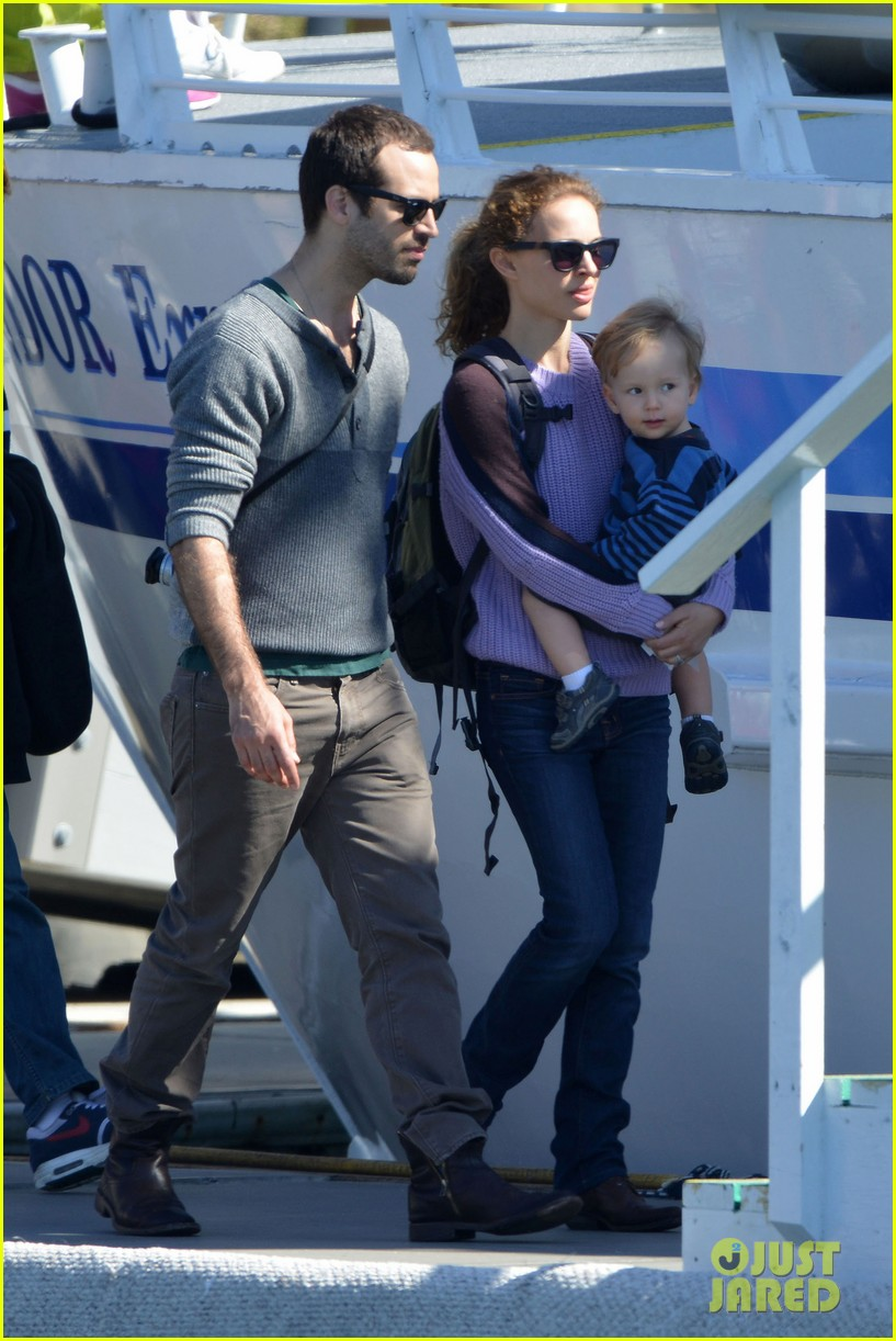 natalie portman benjamin millepied whale watching with aleph 082814304