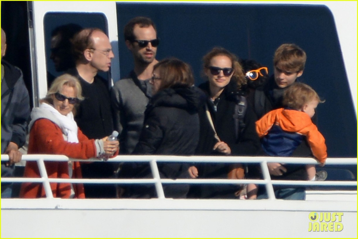 natalie portman benjamin millepied whale watching with aleph 252814321