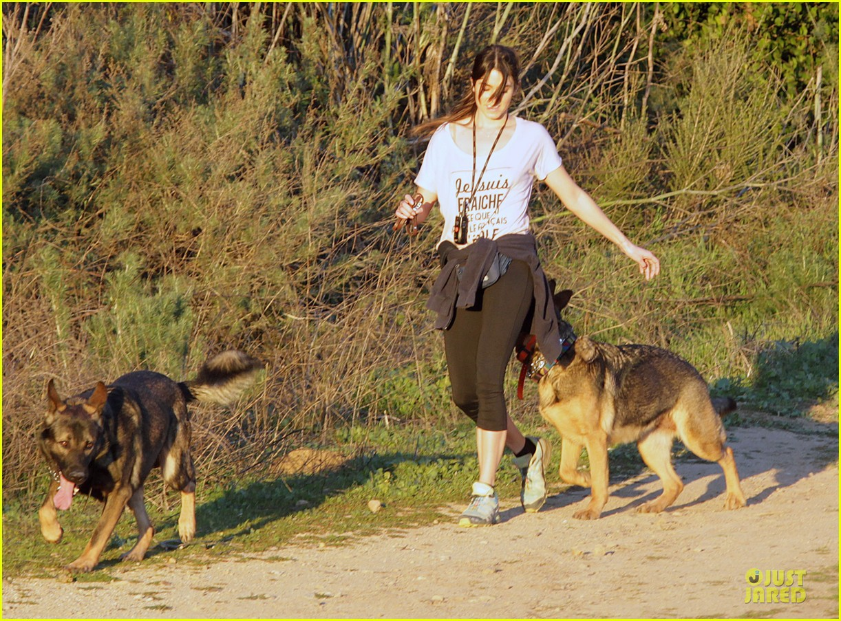 nikki reed super bowl hiking with shirtless brother nathan 122804942