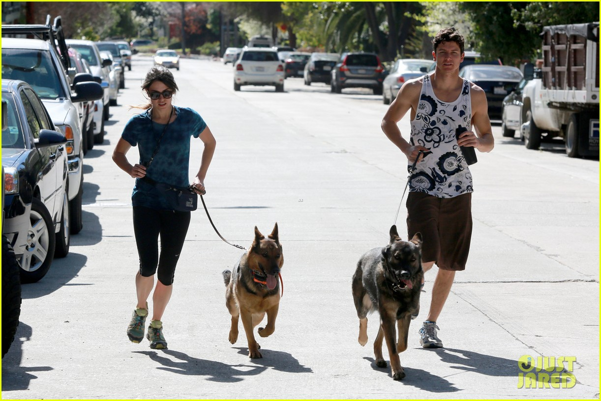 nikki reed dog run with brother nathan 04