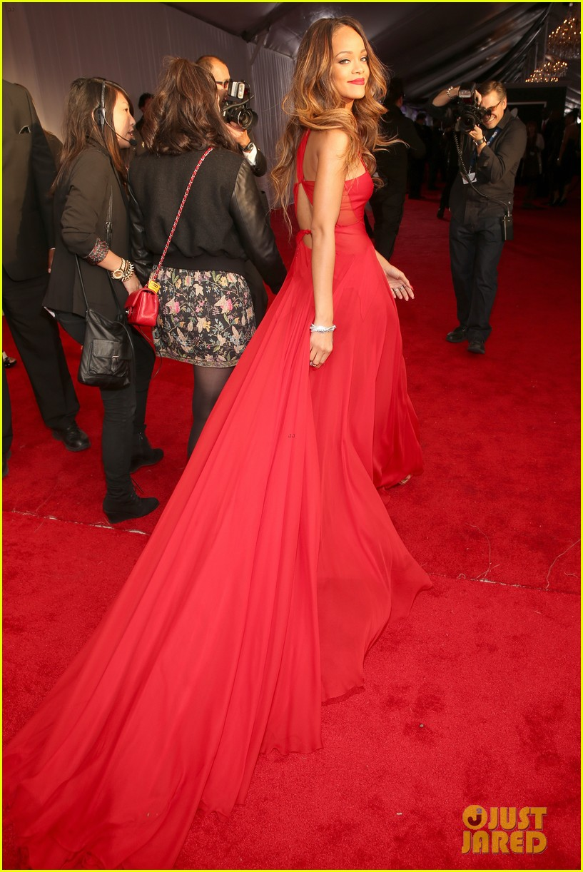 rihanna grammys 2013 red carpet 202809326