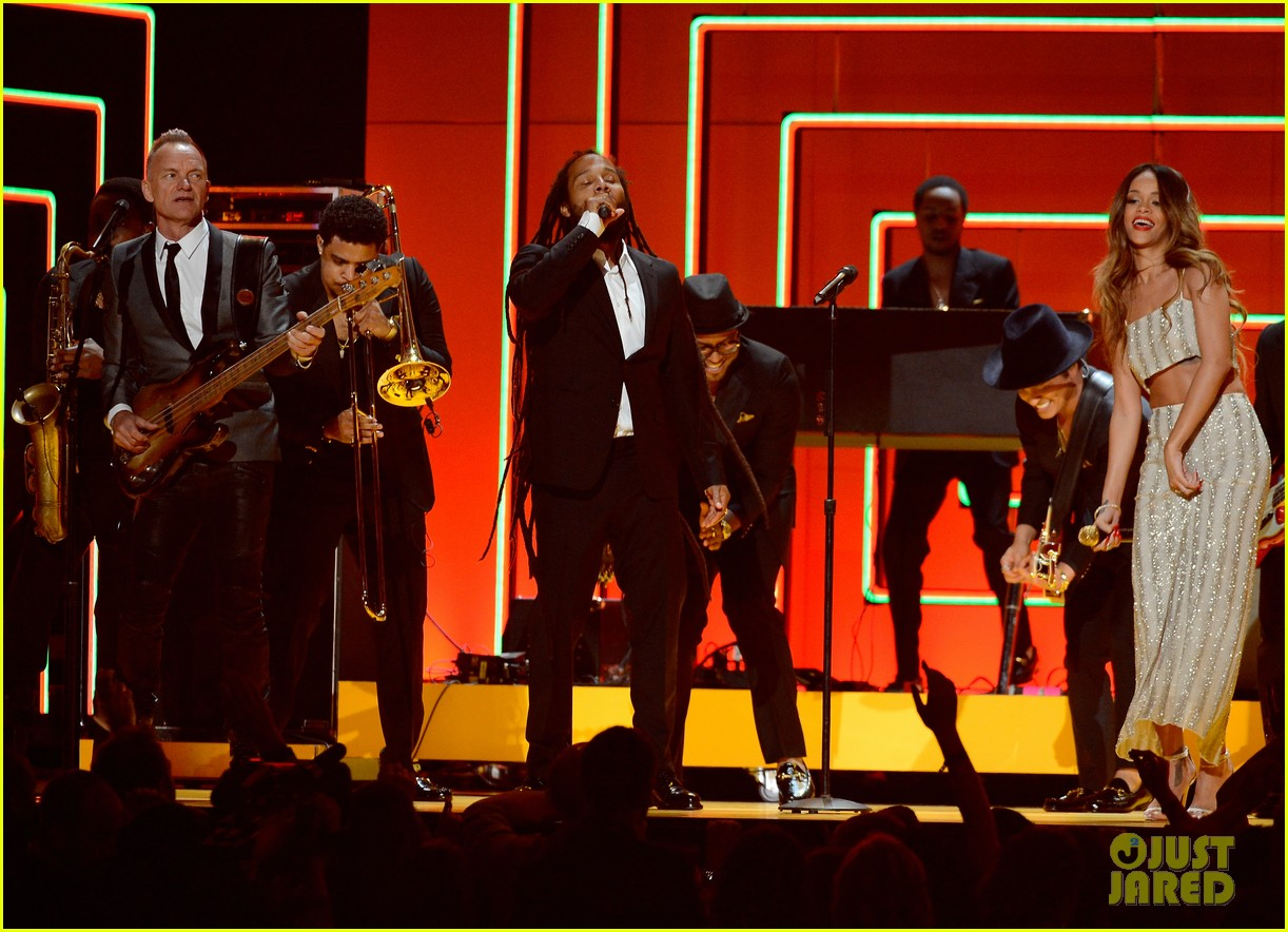 rihanna bob marley tribute at grammys 2013 watch now 012809553