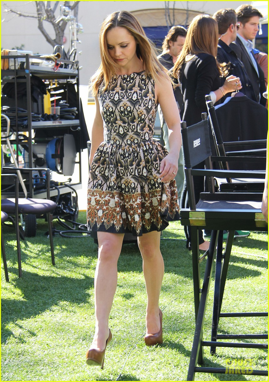 christina ricci engaged to james heerdegen see the ring 052802880